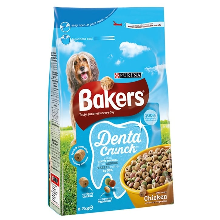 Bakers Dentacrunch Adult Dog Food with Tasty Chicken & Country Vegetables 2.7kg
