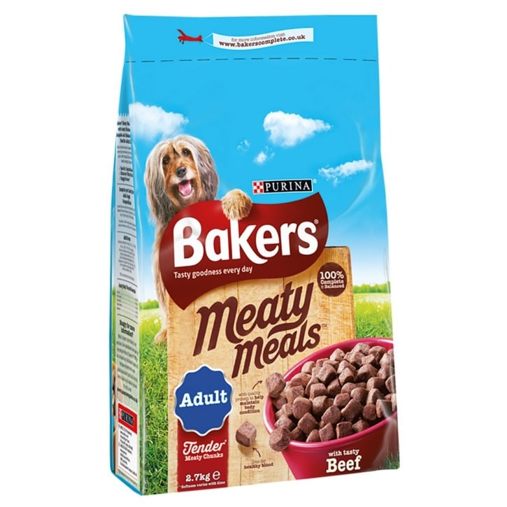 Bakers Meaty Meals Adult Dog Food with Tasty Beef 2.7kg
