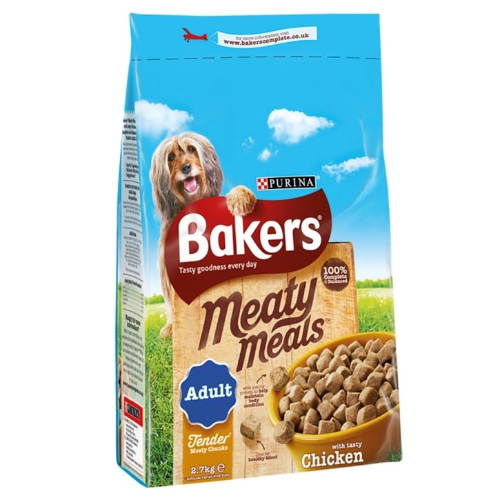 Bakers Meaty Meals Adult Dog Food with Tasty Chicken 2.7kg