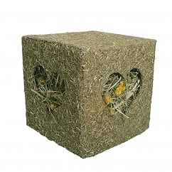 Naturals I love Hay Cube Medium for Small Animals